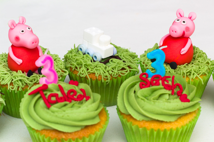 birthday-cupcakes-700
