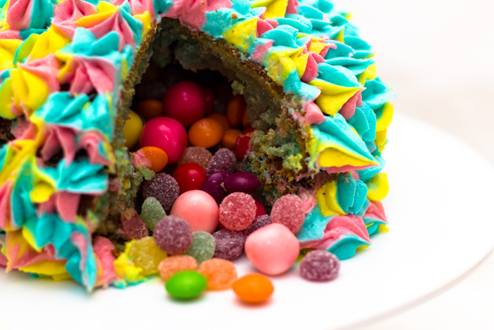 Cake Images Sweets : How to make a Pinata Cake filled with sweets - Sunday Baking