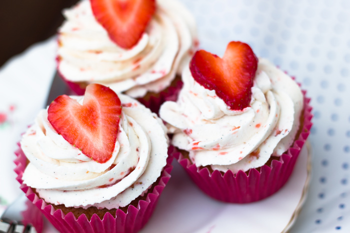 Strawberries-and-Cream-Cupcakes-close-group-700