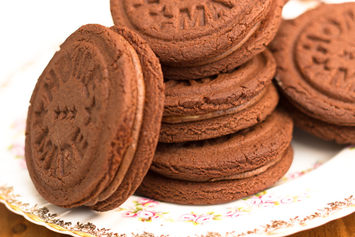 Bourbon-biscuits-4-700