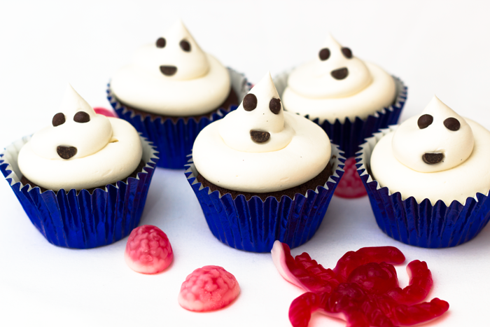 Halloween-Ghost-cupcakes-700