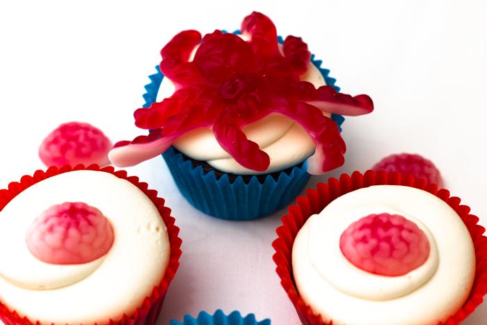 Halloween-cupcakes-spider-700