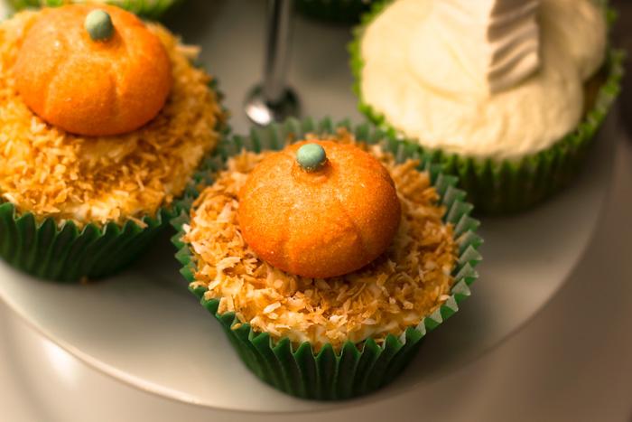 Toasted-coconut-halloween-pumpkin-700