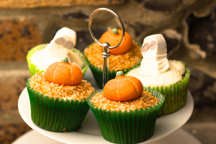 Toasted-coconut-halloween-pumpkin-patch-and-ghost-700