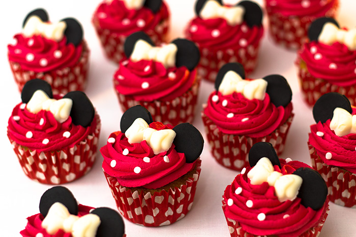 Minnie-Mouse-Cupcakes-2-700