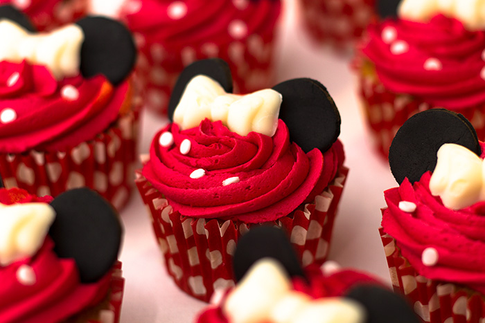 Minnie-Mouse-Cupcakes-4-700
