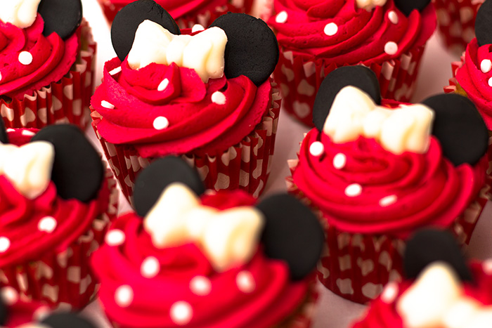 Minnie-Mouse-Cupcakes-5-700