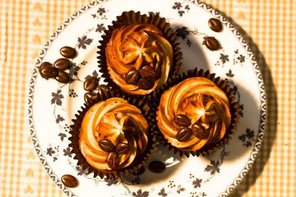Coffee-cake-cupcakes-top-738