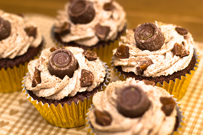 Rolo-Cupcakes-2-700