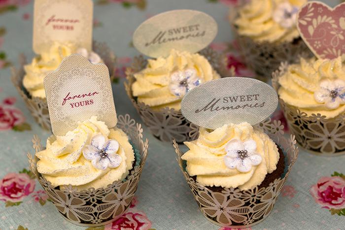 Easy wedding cupcakes sunday baking easy wedding cupcakes junglespirit Image collections
