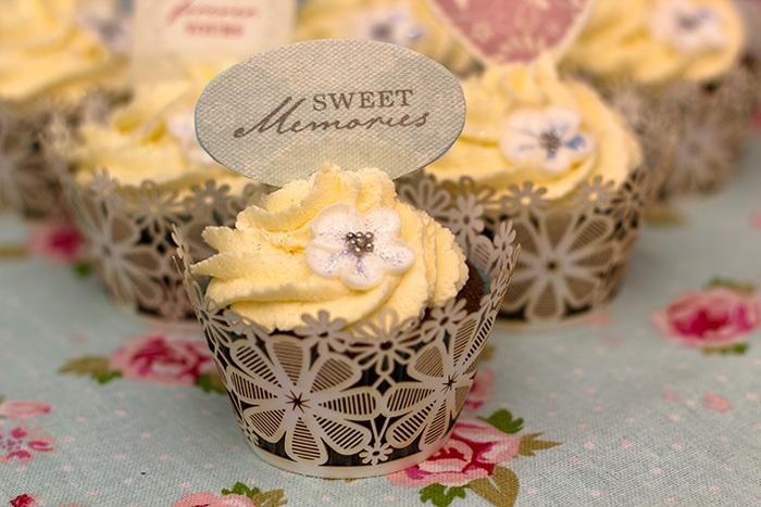 wedding-cupcakes-3-700