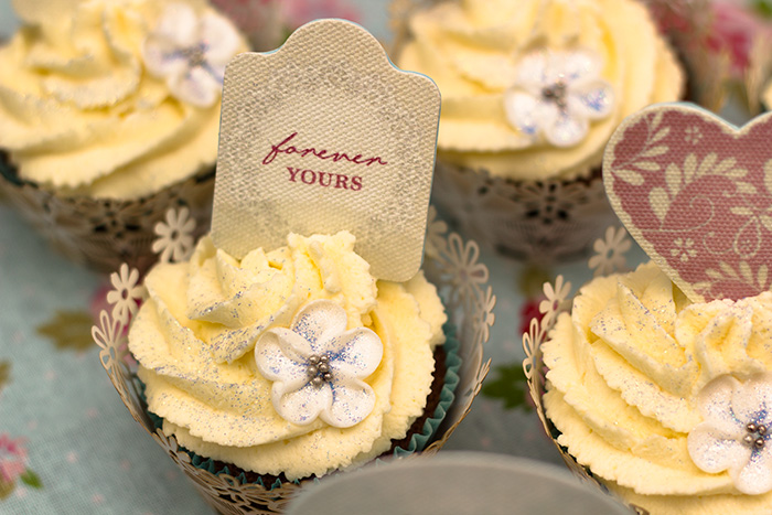 wedding-cupcakes-4-700