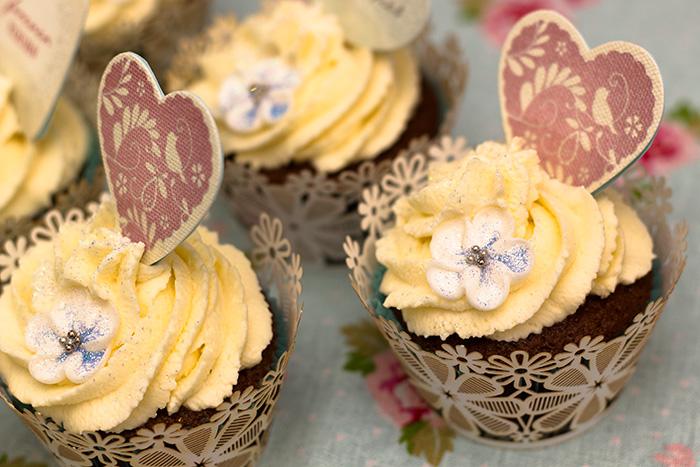 wedding-cupcakes-5-700