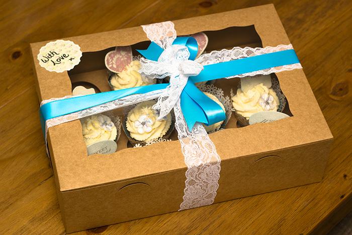 wedding-cupcakes-7-700