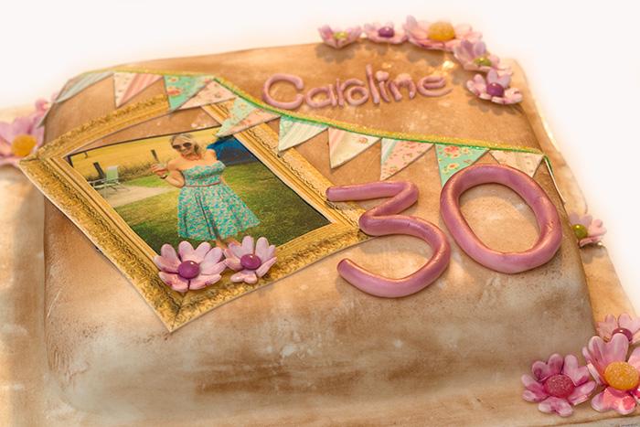 Vintage-cake--side-700