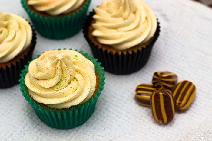 Mint-Humbug-cupcakes-700
