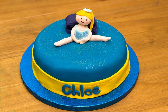 Chloe-Gymnastic-cake-700