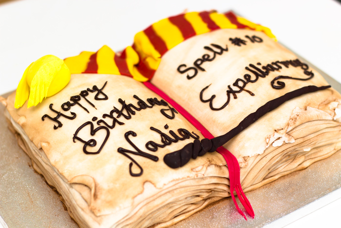 How to make a Harry Potter Open Spell Book Birthday Cake