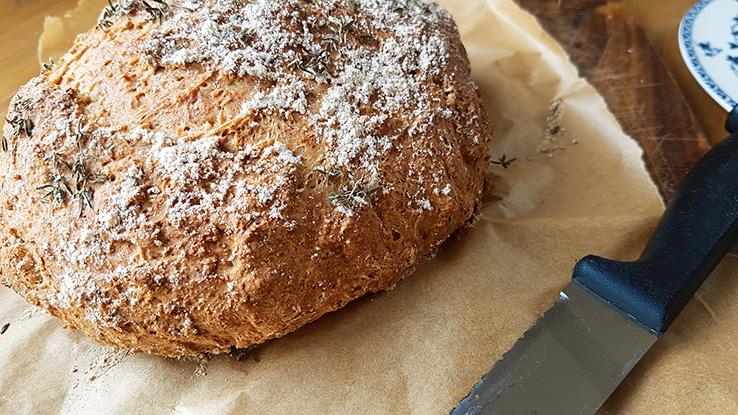 Rosemary and thyme soda bread - sugar free recipe